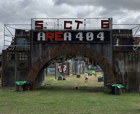 Clad Layher structure as entrance to Boomtown Area 404.