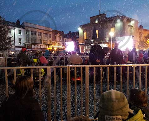15-person disabled viewing platform for Mansfield Christmas Lights switch on.